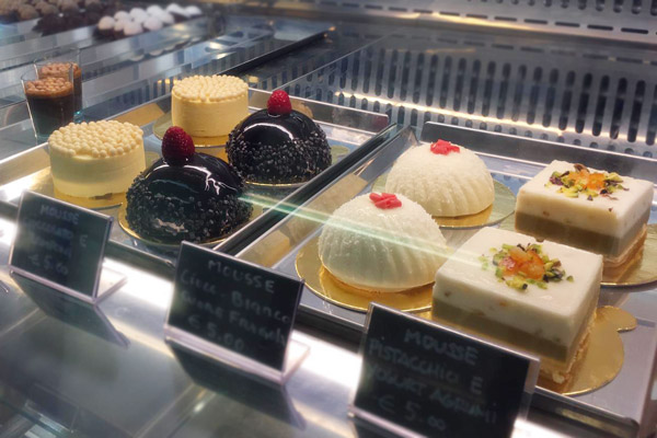 pastries-food-tour-rome